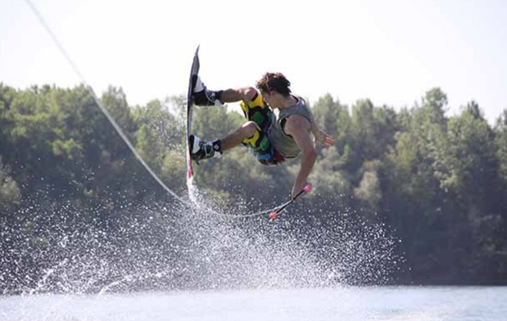 Water skurfing